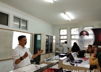 Pelatihan DNA Barcoding di Universitas Halu Oleo. FOTO: DOK. HAWIS MADDUPPA