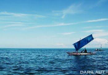 Nelayan Kakorotan, salah satu pulau terluar di Kabupaten Kepulauan Talaud, di perbatasan Indonesia dan Filipina. FOTO: DARILAUT.ID