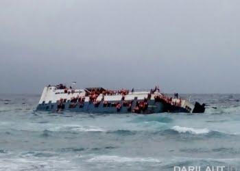 Kapal Motor Lestari Maju dikaramkan di perairan Selayar. FOTO: DOK. ISTIMEWA