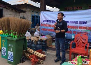 Kepala Balai Kawasan Konservasi Perairan Nasional Kupang, Ikram Sangadji. FOTO: DOK. ISTIMEWA