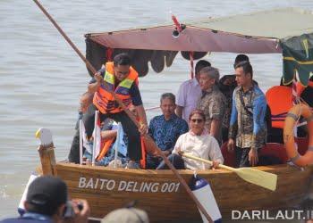 Kapal berbahan bambu karya dosen ITS. FOTO: DOK. KKP