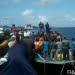Upaya penyelamatan korban terbakarnya KM Fungka Permata V di perairan Banggai Laut, Sulawesi Tengah. FOTO: BPBD BANGGAI LAUT Melalui VOA