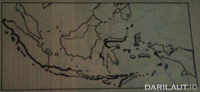 Peta daerah potensial bencana tsunami di Indonesia.
