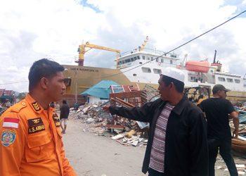 Kapal Sabuk Nusantara 39 pindah ke pantai di kompleks Pelabuhan Wani, ketika terjadi tsunami, Jumat (28/9). FOTO: DARILAUT.ID