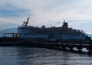 Kapal Pelni di Pelabuhan Pantoloan untuk melakukan evakuasi bagi warga korban gempa-tsunami di Palu.
