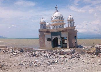 Gempa dan tsunami