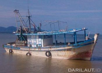 Kapal ikan Malaysia yang ditangkap karena melakukan Illegal Fishing di perairan Sebatik, Laut Sulawesi, Wilayah Pengelolaan Perikanan (WPP 716). FOTO: DARILAUT.ID