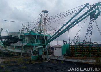 Kapal ikan asing yang sudah tidak beroperasi di perairan Indonesia. FOTO: DARILAUT.ID