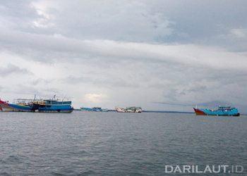 Ilustrasi kapal perikanan di perairan Dobo, Kepulauan Aru. FOTO: DARILAUT.ID