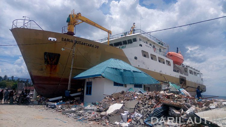Pelabuhan Wani di Sulawesi Tengah, setelah terjadi gempabumi dan tsunami 28 September 2018. FOTO: DARILAUT.ID