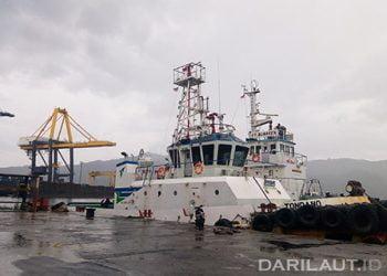 Ilustrasi kapal sandar di Pelabuhan Bitung. FOTO: DARILAUT.ID