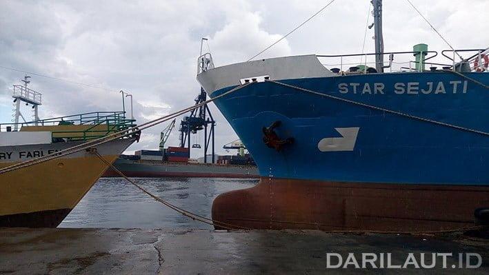 Ilustrasi kapal sandar. FOTO: DARILAUT.ID