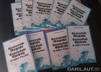 Buku Gemuruh Magma Gemuruh Ombak di Bibir Pasifik, penerbit Yayasan Serat Manado. FOTO: AIS KAI