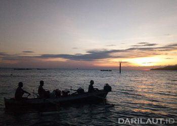 Nelayan penangkap ikan nike di Gorontalo. FOTO: DARILAUT.ID