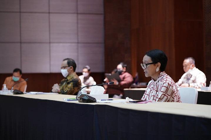 Menteri Luar Negeri Retno Marsudi, dalam press briefing, Rabu (29/4).
