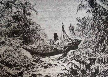 """Kapal uap """"Berouw"""" berpindah 3,3 kilo meter dari tempatnya berlabuh karena hempasan gelombang tsunami akibat letusan gunung api Krakatau pada 27 Agustus 1883. REPRO SIMKIN & FISKE"""