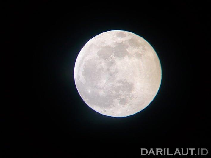 Bulan. FOTO: DARILAUT.ID