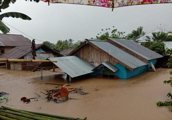 Longsor dan banjir kembali terjadi di Bolaang Mongondow dan Bolaang Mongondow Selatan, Sulawesi Utara, Sabtu (25/7). FOTO: BNPB