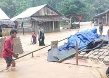 Banjir bandang terjadi di Pulau Taliabu, Maluku Utara, Kamis (30/7). FOTO: BPBD Pulau Taliabu/BNPB