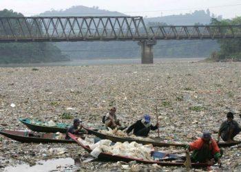 Sungai Citarum. FOTO: VOA/REUTERS