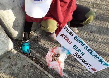 Salah satu kegiatan World Cleanup di Kepulauan Riau. FOTO: ISTIMEWA
