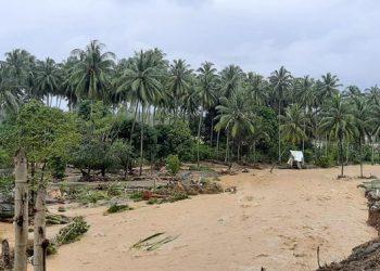 Kondisi kerusakan sejumlah unit rumah dan lingkungan akibat banjir bandang di Kabupaten Bolaang Mongondow Selatan, Sabtu (1/8). FOTO: BPBD Kabupaten Bolaang Mongondow Selatan/BNPB