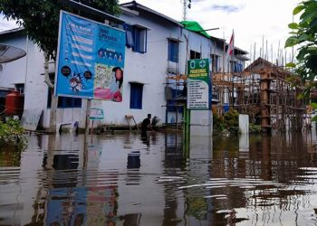 Banjir yang terjadi di Kabupaten Kapuas Hulu, Provinsi Kalimantan Barat Minggu (13/9). FOTO: BPBD Kabupaten Kapuas Hulu/BNPB