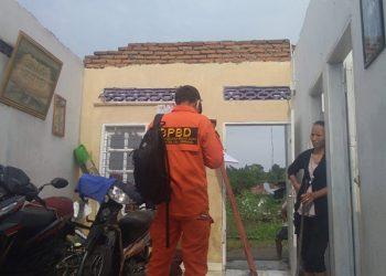 Pendataan rumah yang rusak karena angin puting beliung di Deli Serdang, Sumatera Utara. FOTO: BPBD Kabupaten Deli Serdang/BNPB