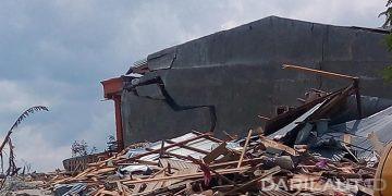 Rumah yang rusak karena gempa dan likuefaksi di Palu, Sulawesi Tengah, Jumat 28 September 2018. FOTO: DARILAUT.ID