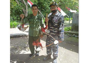 Burung Nuri Maluku (Eos bornea) yang ditemukan dan disita petugas dari Resort Banda Seksi Konservasi Wilayah II Balai KSDA Maluku di atas kapal. FOTO: KSDAE/KLHK
