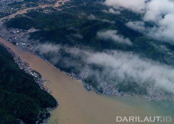 Untuk menilai kesehatan ekosistem sungai dengan indikator makrozoobentos. FOTO: DARILAUT.ID