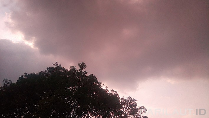 Musim hujan tahun ini hingga awal tahun depan dipengaruhi fenomena La Nina. FOTO: DARILAUT.ID