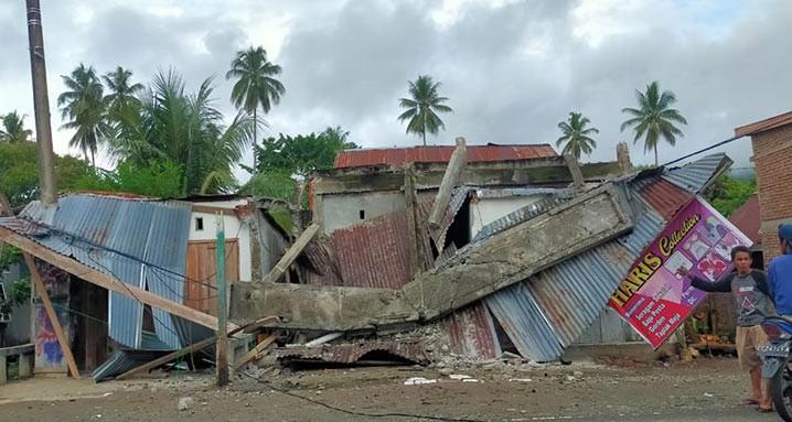 Kerusakan rumah yang dialami warga Mamuju, Sulawesi Barat, akibat gempa M5,9, pada Kamis (14/1). FOTO: BPBD Kabupaten Majene/BNPB