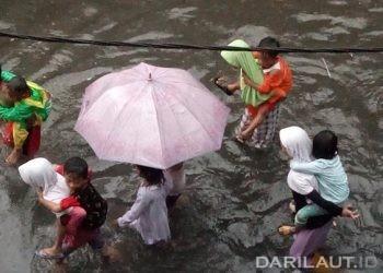 Genangan banjir di Jakarta. FOTO: DARILAUT.ID