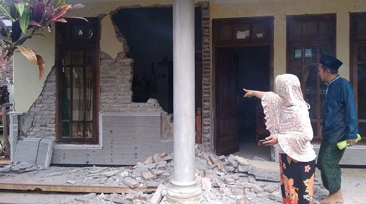 Rumah yang mengalami kerusakan akibat Gempabumi M 6,1 di Kabupaten Malang, Sabtu (10/4).  FOTO: BPBD Kabupaten Malang/BNPB