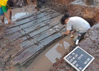 Situs kapal kuno di desa Lambur, Jabung Timur, Provinsi Jambi. FOTO: UI.AC.ID