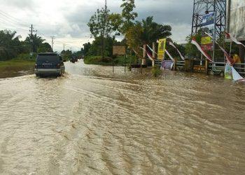 Banjir di Kabupaten Aceh Singkil, Selasa (18/5). FOTO: BPBD Kabupaten Aceh Singkil/BNPB