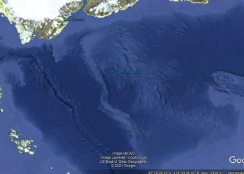 Samudra Arktik. GOOGLE EARTH