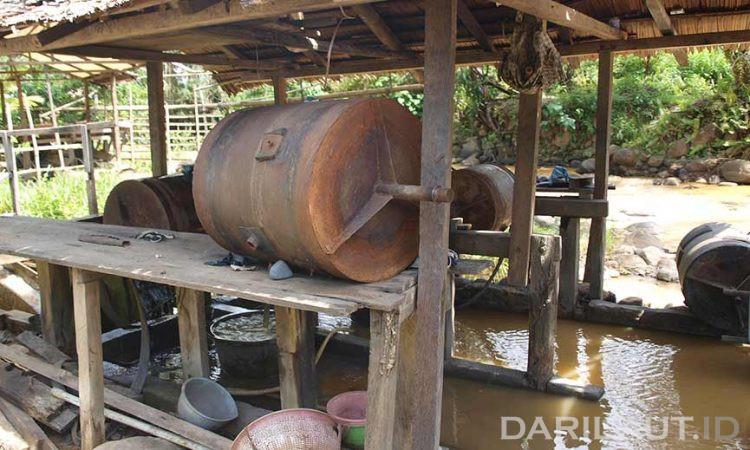 Tromol yang digunakan dalam pengolahan penambangan  emas skala kecil. FOTO: DARILAUT.ID