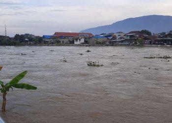 Peristiwa banjir di Kota Palu, Sulawesi Tengah, Sabtu (3/7) pukul 14.05 WIB akibat hujan dengan intensitas tinggi dan meluapnya Sungai Palu serta kiriman debit air dari Kabupaten Sigi. FOTO: BPBD Kota Palu/BNPB