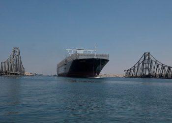 Ever Given, saat melintasi Terusan Suez di Ismailia, Mesir, 20 Agustus 2021. FOTO: Suez Canal Authority/ REUTERS