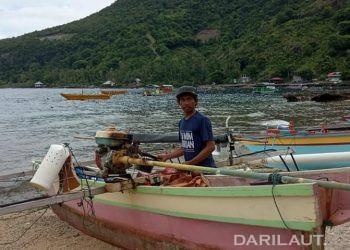 Loyan Arsad, nelayan penangkap ikan tuna sirip kuning di Desa Olele, Kecamatan Kabila Bone, Kabupaten Bone Bolango, Provinsi Gorontalo. FOTO: DOK. DARILAUT.ID