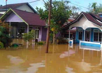 Kondisi rumah warga terdampak banjir di wilayah Kabupaten Kapuas Hulu, Kalimantan Selatan. FOTO: BPBD Kabupaten Kapuas Hulu/BNPB