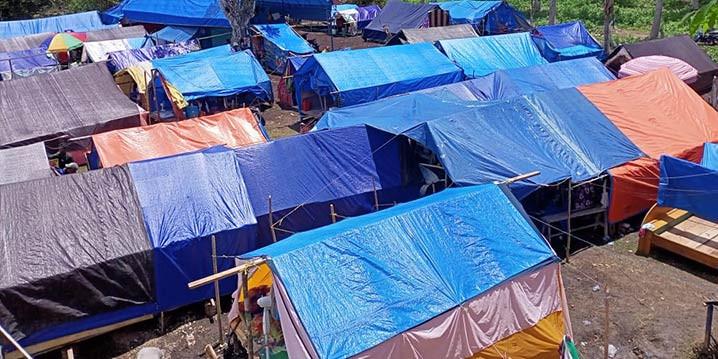 Lokasi pengungsian warga yang terdanpak gempa M5,8 pada Kamis (26/8) di Kabupaten Tojo Una-Una, Provinsi Sulawesi Tengah. FOTO: ISTIMEWA/BNPB