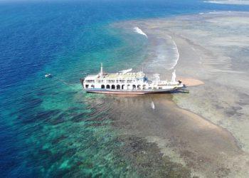 KMP Permata Lestari II kandas di perairan Selat Alas bagian utara Lombok Timur menyebabkan kerusakan pada terumbu karang. FOTO: KKP