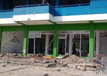 Terminal penumpang Pelabuhan Pantoloan yang mengalami kerusakaan saat terjadi gempa dan tsunami, Jumat 28 September 2018. FOTO: DARILAUT.ID